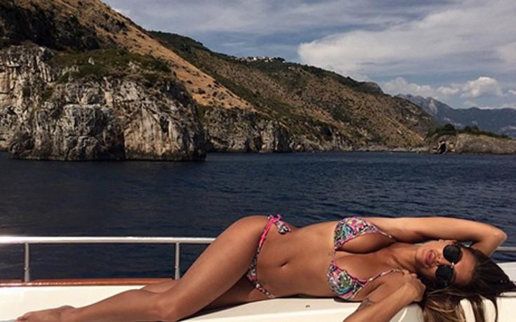 Η Christina Buccino ξεσηκώνει την άμμο και το Instagram