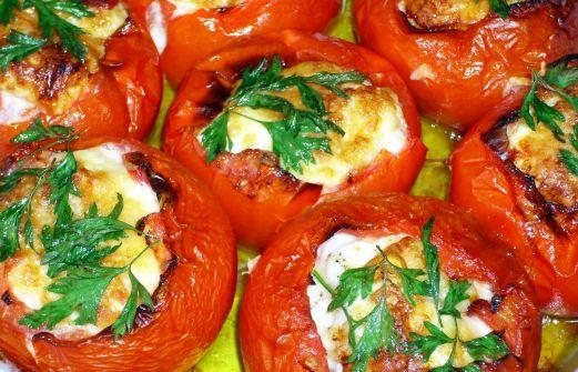 Ντομάτες γεμιστές με τραχανά