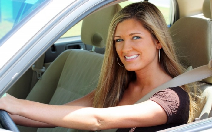 Οδηγοί με οικολογική συνείδηση οι γυναίκες, επικίνδυνοι οι άνδρες