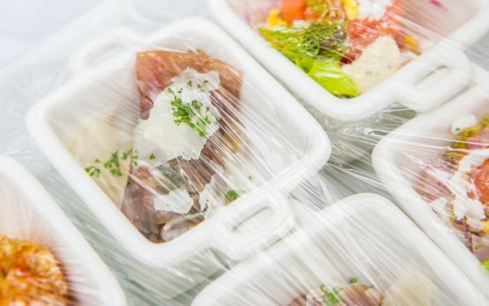 Πλαστική μεμβράνη φαγητού: Τι πρέπει να προσέχετε κατά την χρήση