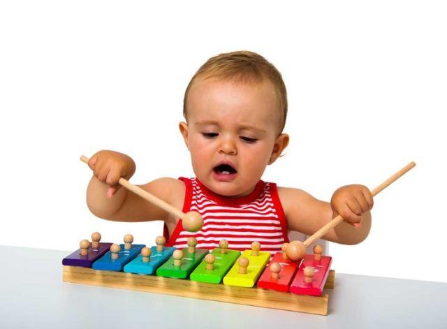 Πώς να μάθετε το παιδί σας να παίζει μόνο του