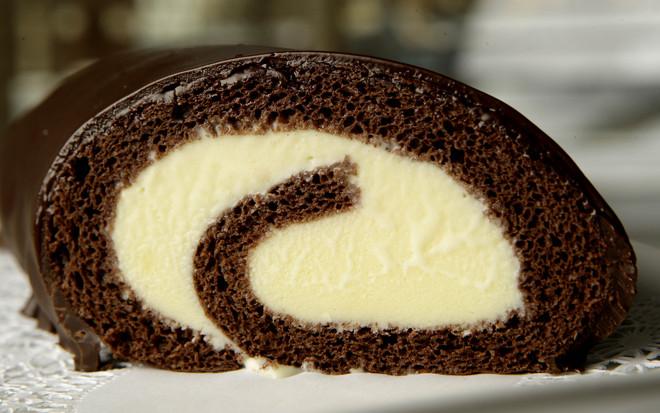Ρολό παγωτό με κέικ