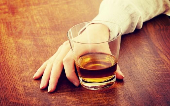Σε πόσο χρόνο φεύγει το αλκοόλ από το σώμα