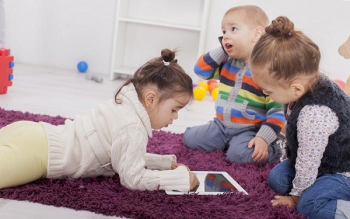 Τα χαρισματικά παιδιά έχουν αφοσιωμένους γονείς