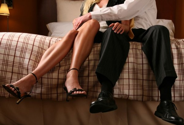 Τι οδηγεί τα ζευγάρια στην απιστία;