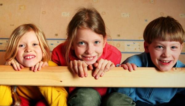 10 παράπονα που θα ακούσετε όταν τα παιδιά μοιράζονται το ίδιο δωμάτιο
