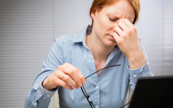 Γιατί «πετάει» το μάτι όταν είμαστε κουρασμένοι;