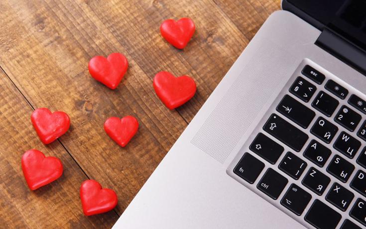 Γιατί είναι καλό να στέλνετε email στον σύντροφό σας