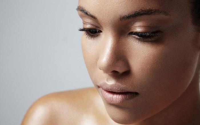 Λιπαρό δέρμα: Ποια λάθη κάνεις