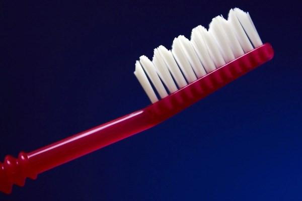Μα πόσα μπορεί να κάνει μια οδοντόβουρτσα;