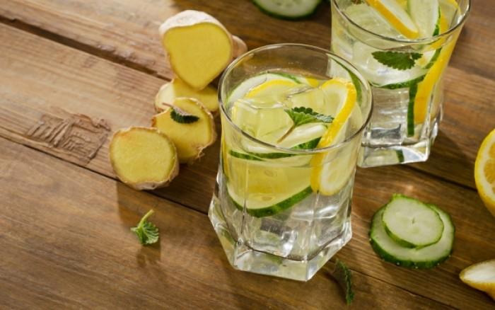 Νερό με λεμόνι το πρωί: Γιατί δεν το συνιστούν οι οδοντίατροι