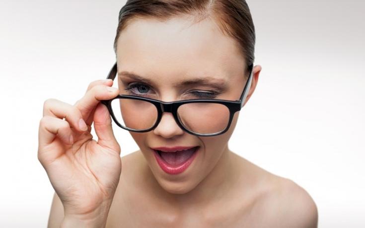 Οκτώ λάθη στο φλερτ που κάνουν όλες οι γυναίκες