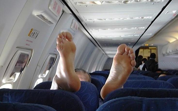 Πόσα μικρόβια μπορεί να κουβαλάει ένα αεροπλάνο