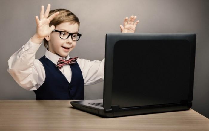 Πώς θα προφυλάξετε το παιδί από τους κινδύνους του διαδικτύου