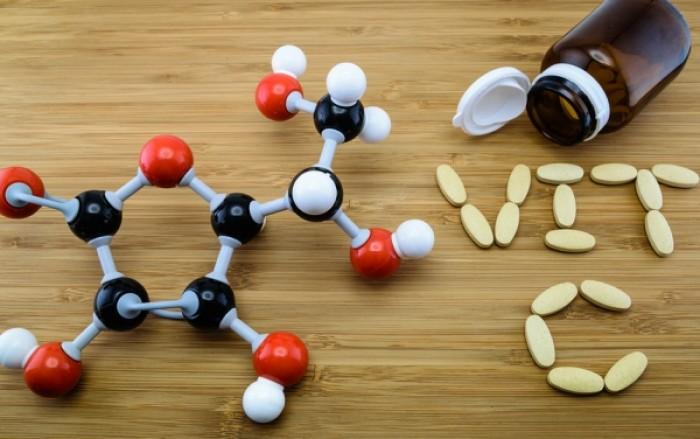 Υπερφόρτιση από βιταμίνη C: Τι πρέπει να προσέχετε