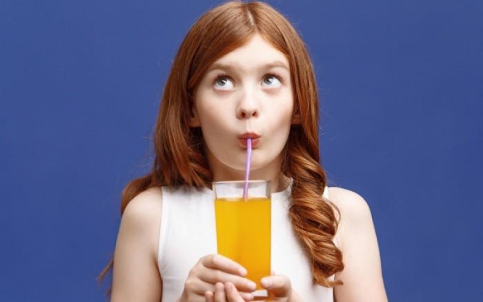 Γιατί πρέπει να πίνετε χυμό πορτοκάλι κάθε πρωί
