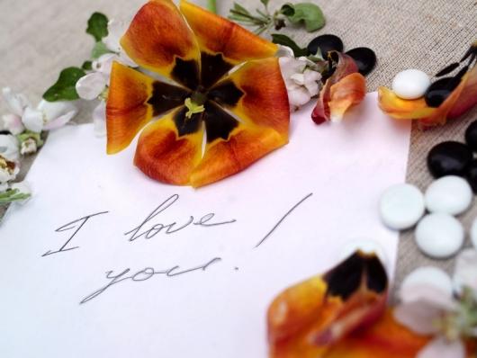 Ζώδια και έρωτας: 12 ερωτικά σημειώματα που θα «έριχναν» κάθε άνδρα!