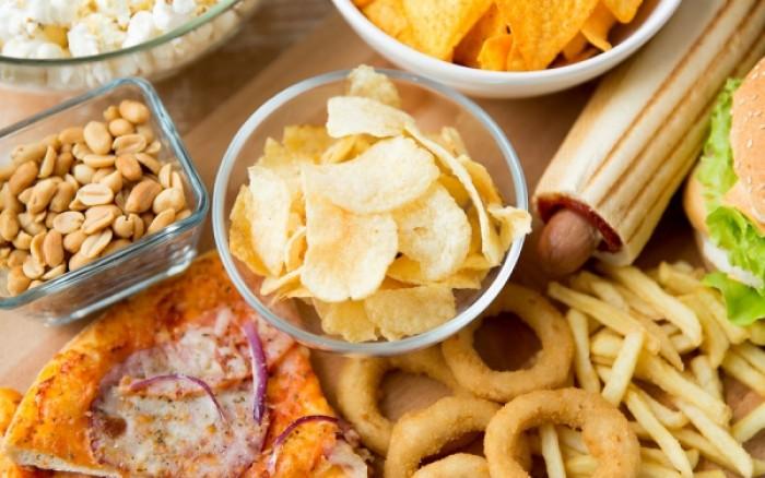 Οι σοβαρές επιπτώσεις του fast food στον οργανισμό