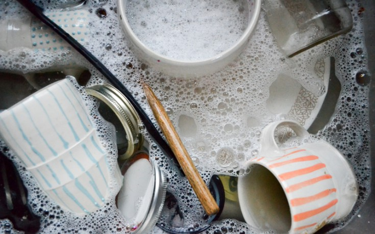Πλύνετε πιάτα αν έχετε άγχος