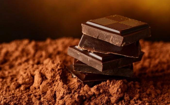 Ποιο είδος σοκολάτας προστατεύει από έμφραγμα και εγκεφαλικό