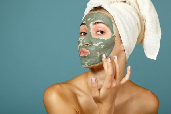 Σπιτικές μάσκες προσώπου για κουρασμένες μαμάδες