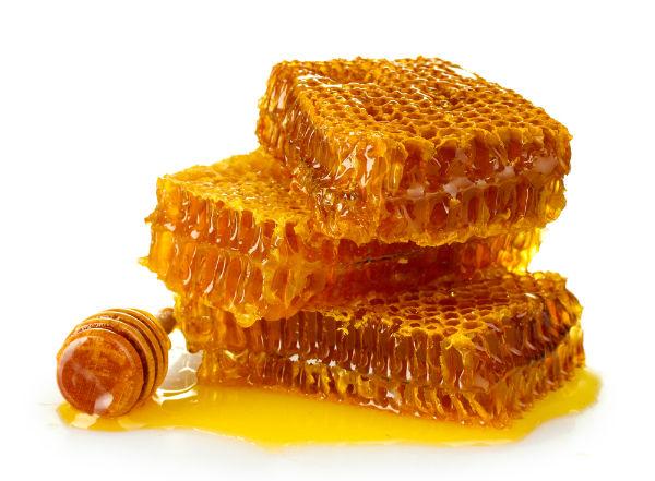 Μάσκα καθαρισμού με μέλι και κρασί για όλους τους τύπους δέρματος