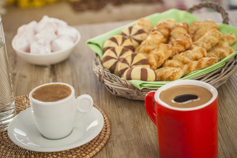 Οι επιστήμονες συσχετίζουν την κατανάλωση καφέ με την καλή υγεία του στόματος