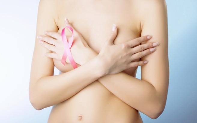 Τέσσερις τροφές-εχθροί του καρκίνου του μαστού