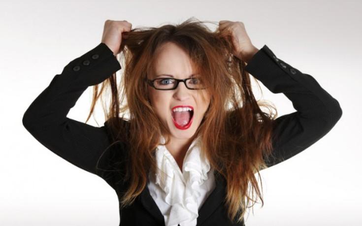 Τι να κάνετε για να μην λαδώνουν τα μαλλιά σας