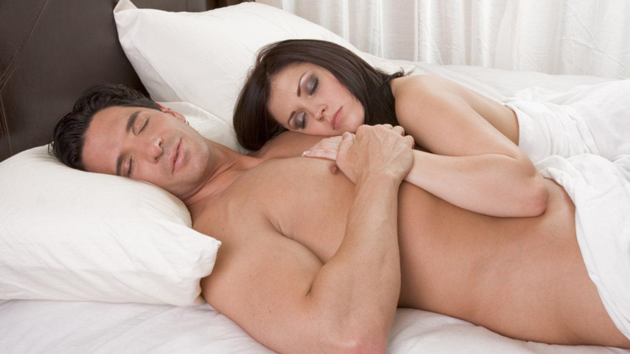 6+1 λόγοι για να κοιμάστε γυμνοί