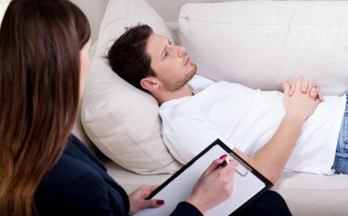 Ύπνωση: Πού χρησιμεύει, πώς γίνεται, ποιοι μπορούν να υποβληθούν στη διαδικασία