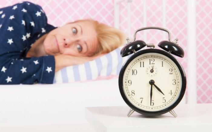Αϋπνία: Νικήστε την με 5 έξυπνες εναλλακτικές στρατηγικές