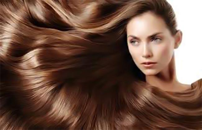 Δείτε πως να χρησιμοποιήσετε σωστά το λάδι για τα μαλλιά σας