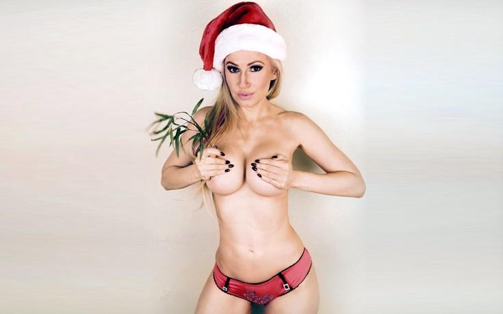 Η σέξι βοηθός του… Άγιου Βασίλη
