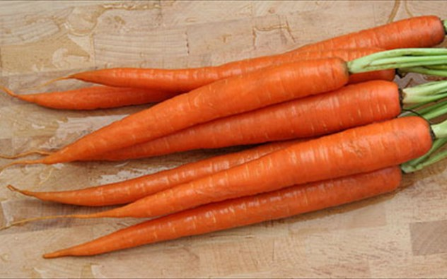 Καρότο, για την ακμή