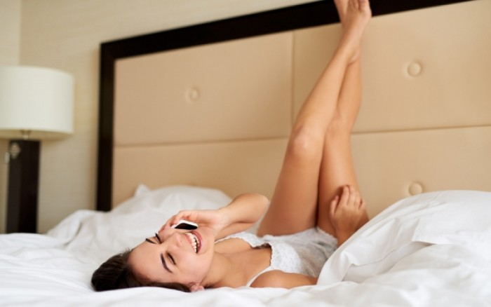 Οι γυναικείες συνήθειες που «ξενερώνουν» τους άντρες