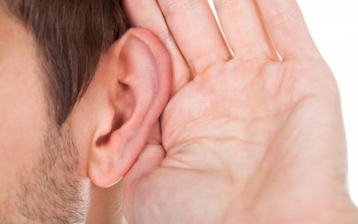 Πέντε σημάδια ότι κάτι δεν πάει καλά με τα αυτιά σας
