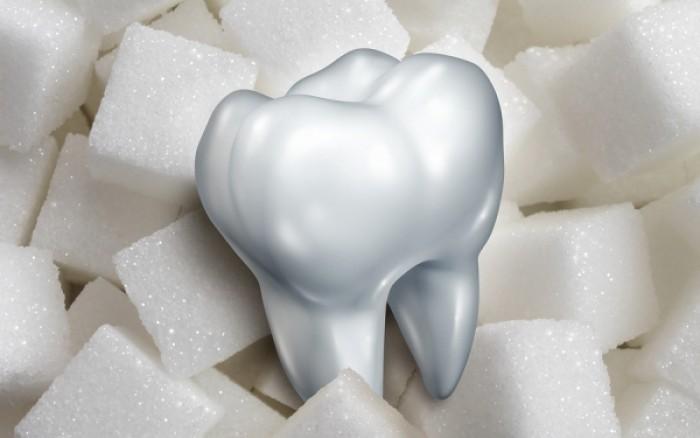 Πόση ζάχαρη μπορείτε να τρώτε για να μην χαλάσετε τα δόντια σας