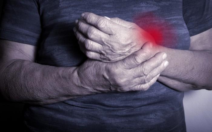 Ρευματοειδής αρθρίτιδα: Αιματολογικό τεστ εντοπίζει τη νόσο έως και 16 χρόνια προτού εκδηλωθούν τα συμπτώματα