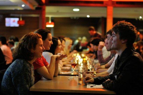 Τι πρέπει και τι ΔΕΝ πρέπει να κάνεις σε ένα speed date