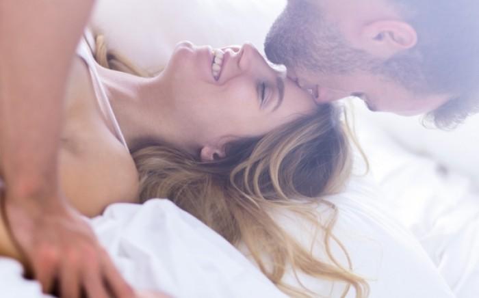 Sex με έναν άγνωστο: To κοινωνικό πείραμα που αναστατώνει το Youtube...