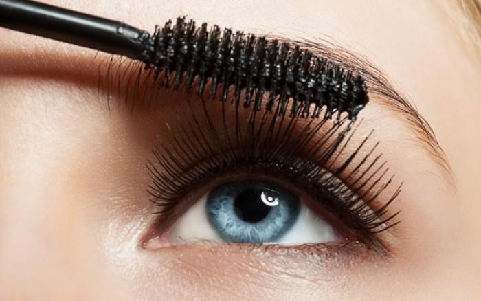 Tips για να αποφύγετε ερεθισμούς των ματιών από τη μάσκαρα
