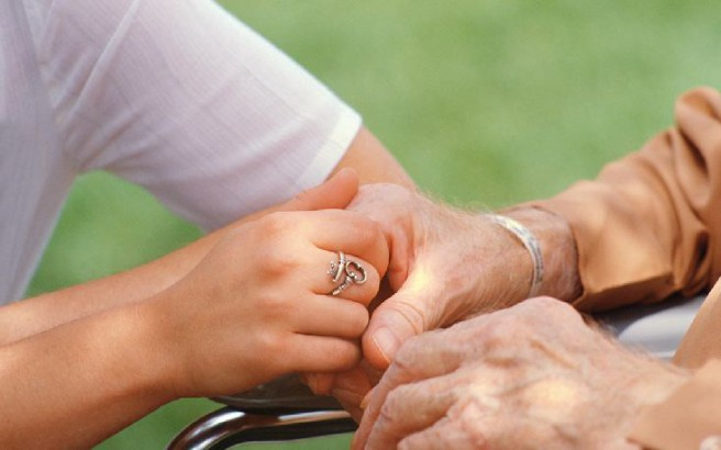 Διάγνωση του Αλτσχάιμερ από… οσμή στα ούρα!