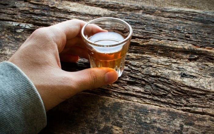 Πόσο αλκοόλ είναι ασφαλές; Τι λένε οι νέες κατευθυντήριες οδηγίες