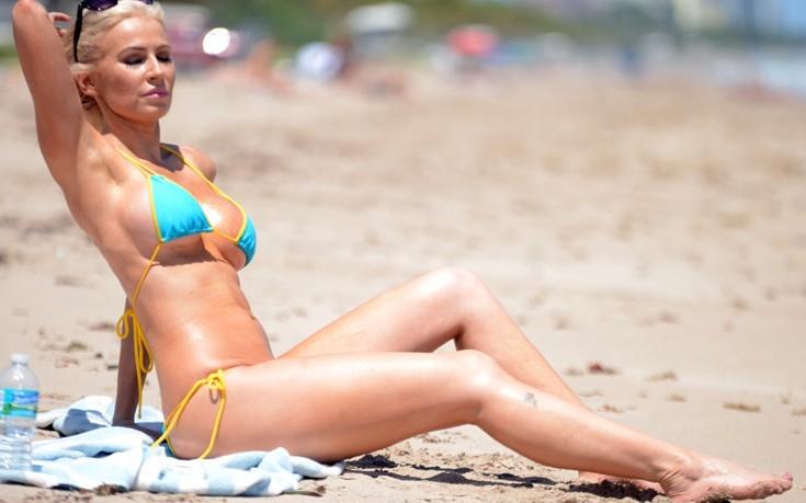 Το «κουνελάκι» Ana Braga το διασκεδάζει στο Μαϊάμι