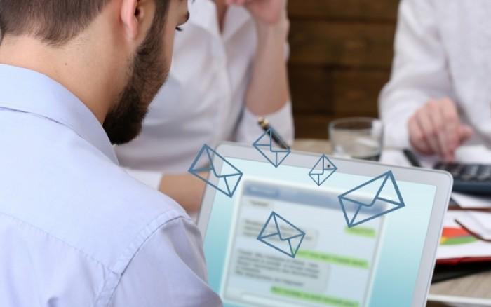 Τσεκάρετε διαρκώς τα email σας; Προσοχή στο τοξικό στρες