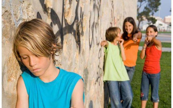 Τα παιδιά που περνούν λιγότερο χρόνο με τους μπαμπάδες τους είναι επιρρεπή στο bullying