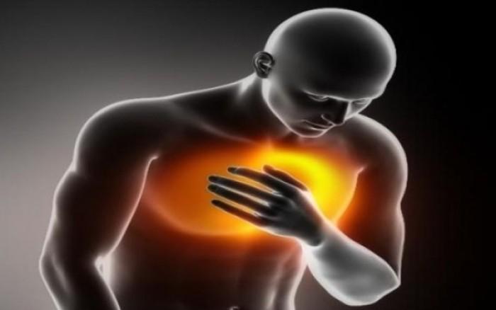 Οξύ έμφραγμα του μυοκαρδίου: Ποια είναι τα συμπτώματα & πώς θα προστατευθείτε
