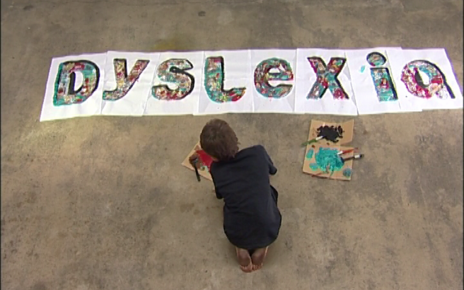 Τα σημάδια που δείχνουν ότι ένα παιδί είναι δυσλεκτικό