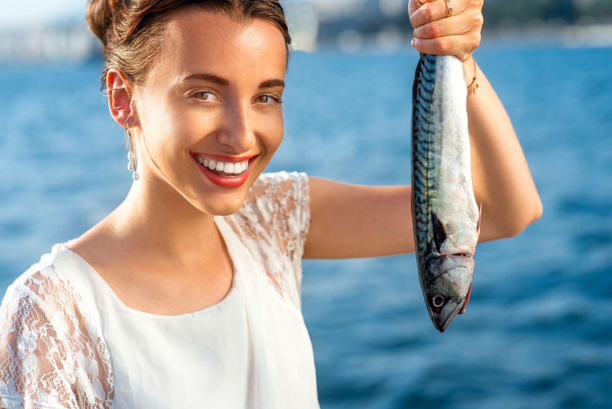 Δείτε πώς η κατανάλωση ψαριού μπορεί να μειώνει τον κινδύνο εμφάνισης νευρολογικών παθήσεων